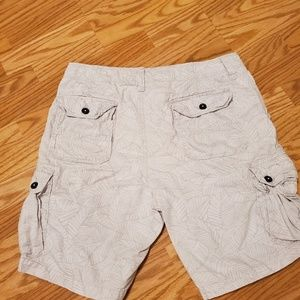 American Eagle tropical cargo short
